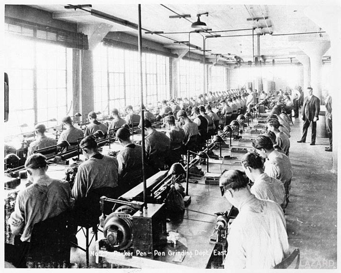 1922 08 00 circa Parker grinding dept